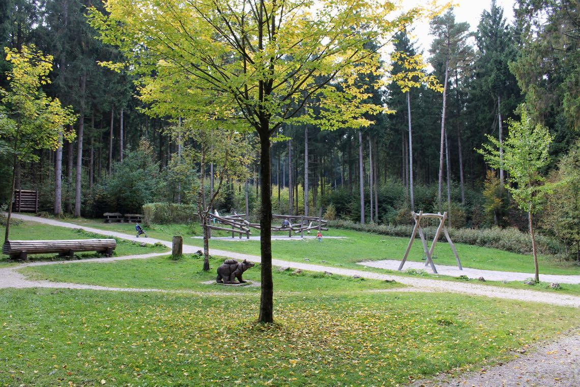 Klettergerüst Aus Baumstämmen : Spielgeräte im pausenhof u grünewald grundschule aschaffenburg